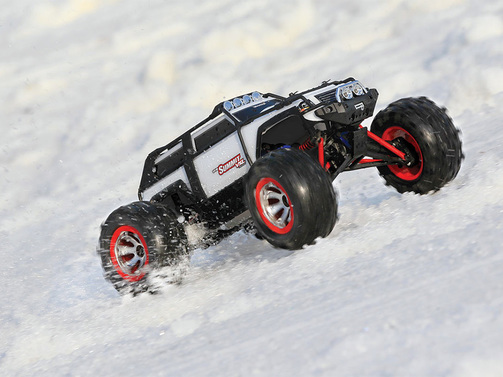 TRAXXAS SUMMIT 2.4GHz 1:16 4WD RTR Monster-Truck VXL + 12V-Lader