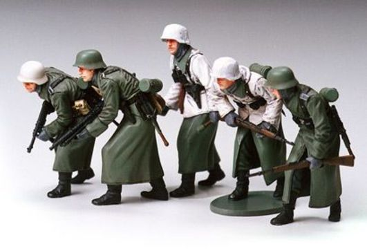 Tamiya 1:35 WWII Fig-Set Dt. Infant. Winter (5)